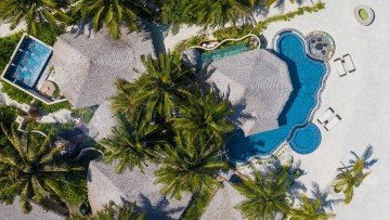 Three Bedroom Royal Beach Suite with Infinity Pool and Private Pool (Kihaa Luxury Collection)