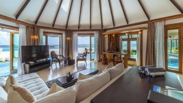 Two Bedroom Royal Beach Suite with Infinity Pool (Kihaa Luxury Collection)