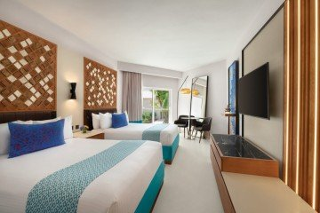 Premium Partial Ocean View with Two Double Beds (Family i Adults Only)