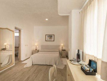 Junior Suite with Private Pool (28 m2, 2-4 osoby)
