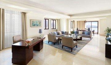 Fairmont Gold Corner Suite